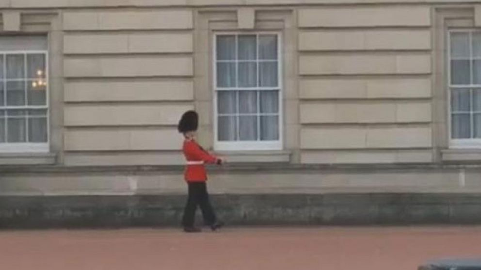 VIDEO: See the Dancing Buckingham Palace Guard
