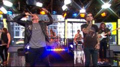 VIDEO: Macklemore and Fences Rock Times Square on GMA