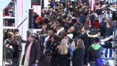 VIDEO: Shoppers Flood Through the Doors Earlier Than Ever