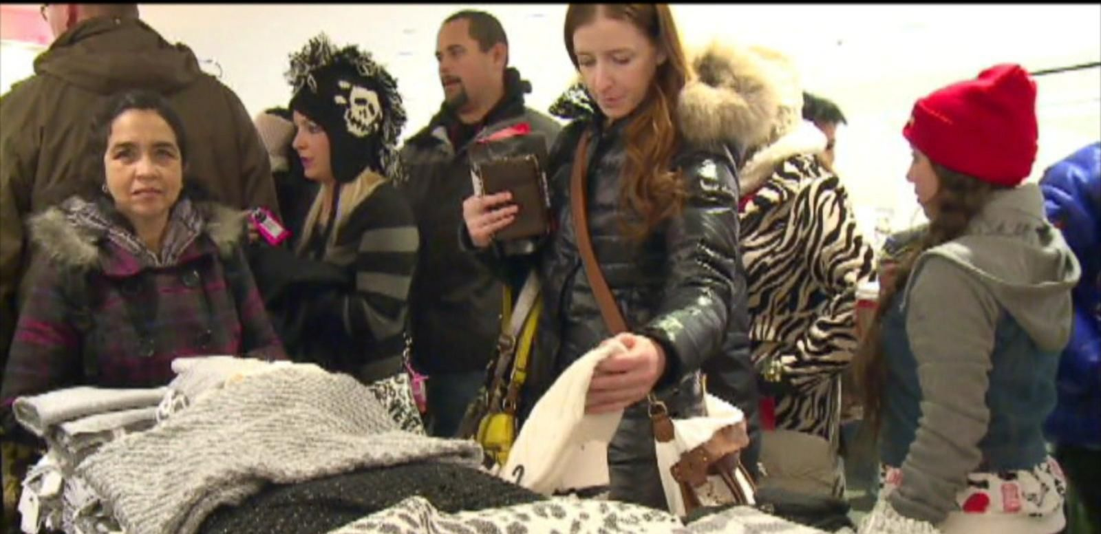 VIDEO: The Madness of Last Minute Gift Shopping
