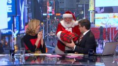 VIDEO: Santa Claus Visits GMA