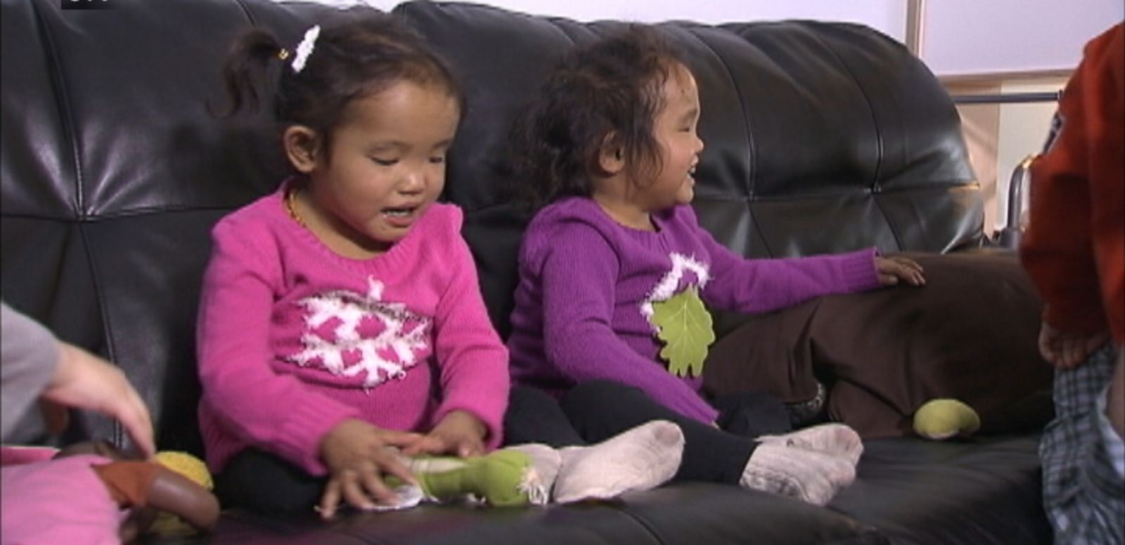 VIDEO: Michael Wagner can donate his liver to only one of their 3-year-old adopted twins, so the couple is taking their search for a donor online.