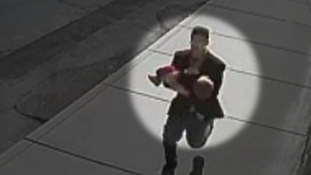 siblings save toddler from kidnapper