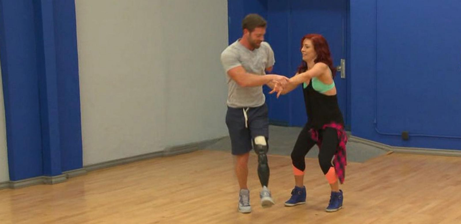 VIDEO: 'Dancing With the Stars' Noah Galloway Continues to Inspire