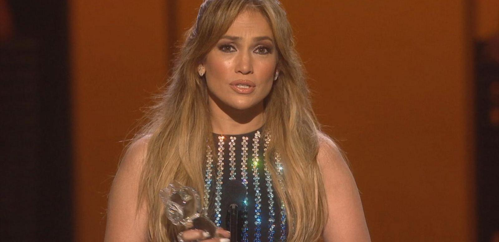 Jennifer Lopez Gets Radio Disney Hero Award