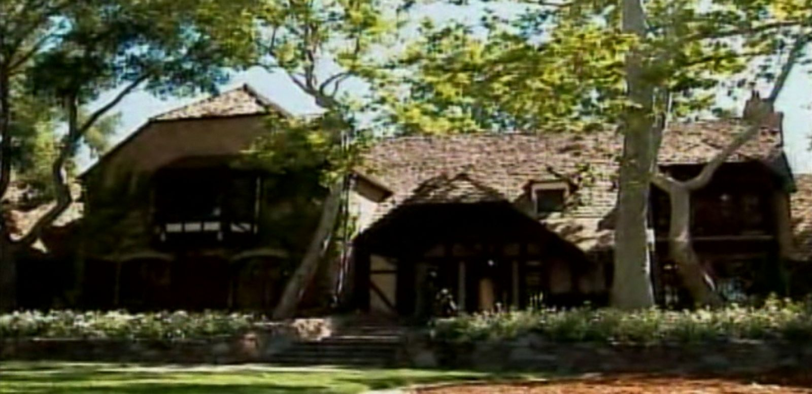 VIDEO: The California ranch once owned by Michael Jackson is on the market for $100 million.