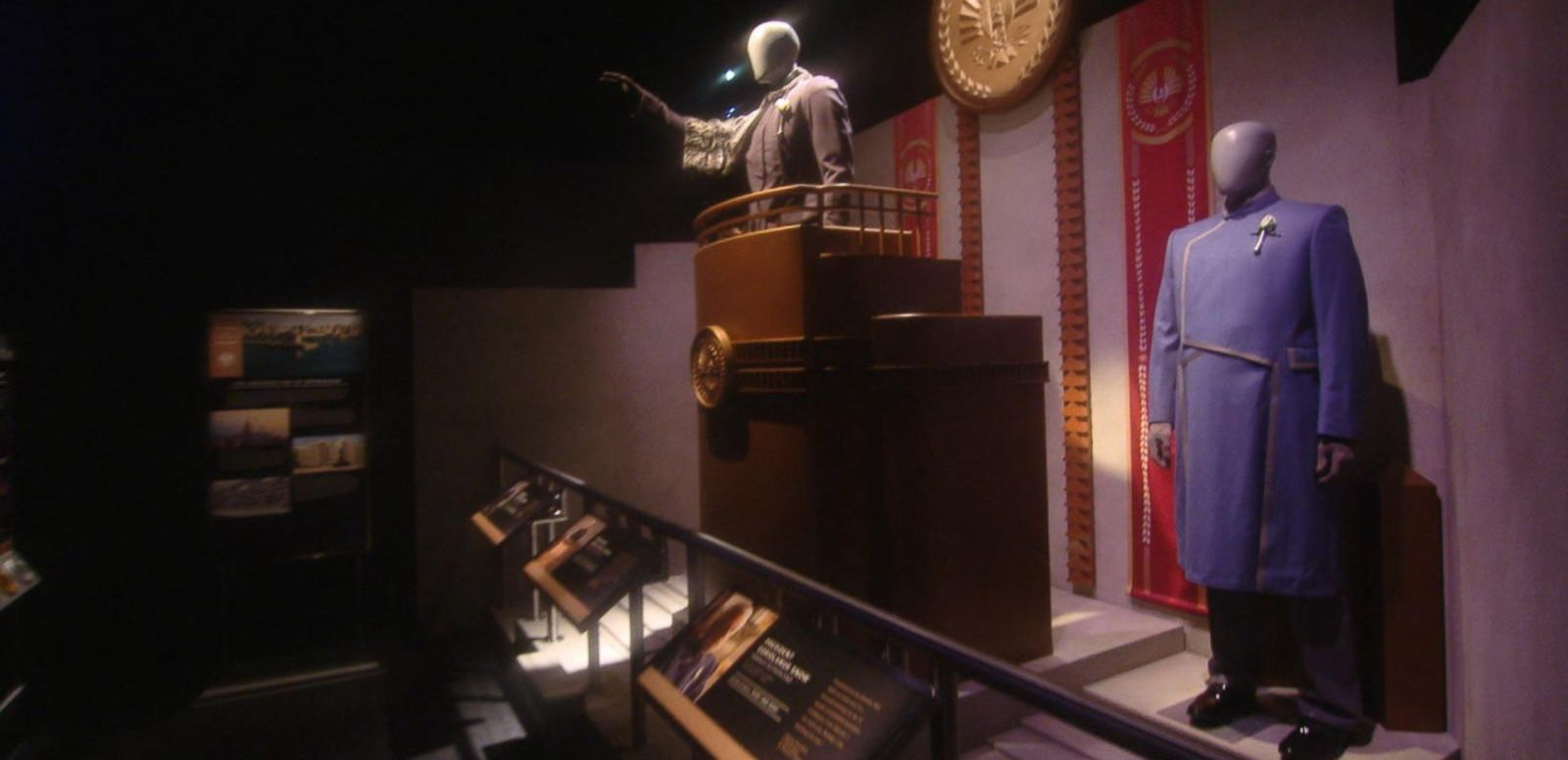 VIDEO: 'Hunger Games' Exhibit in New York Provides Glimpse Into Katniss' World
