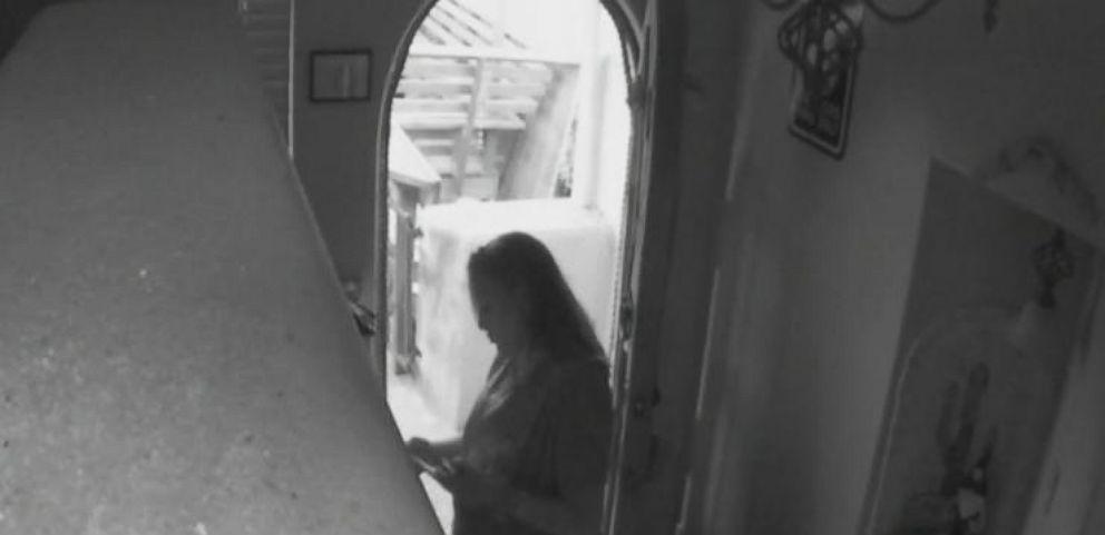 VIDEO: Burglar Caught by Homeowner's Smart Phone App