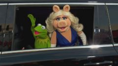 VIDEO: Kermit and Missy Piggy Call It Quits, Taylor Swift Explains Kanye Friendship and More in Pop News
