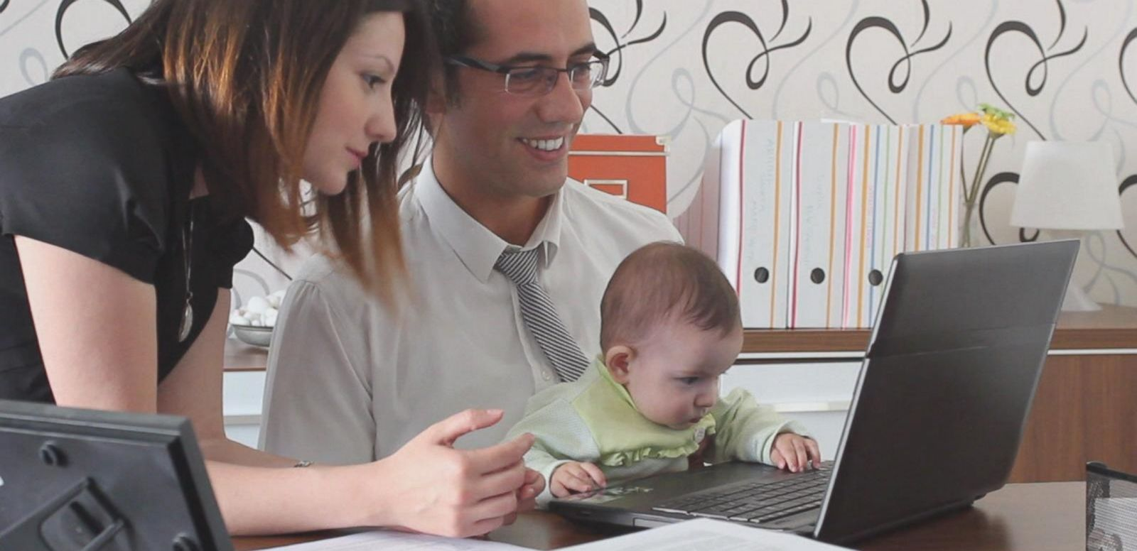 VIDEO: Netflix Announces New 'Unlimited' Maternity and Paternity Leave