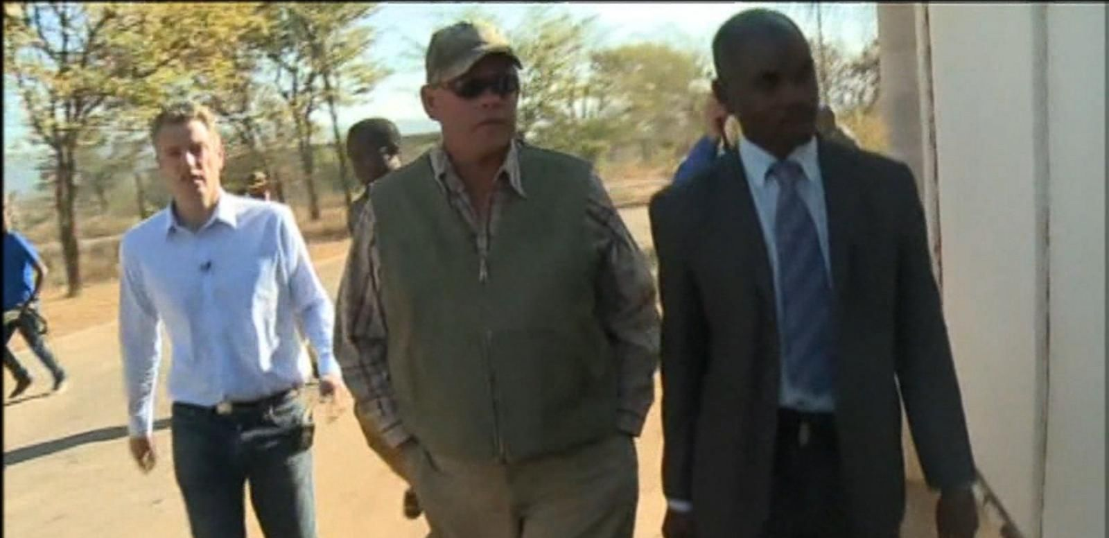 VIDEO: Professional Hunter Appears in Zimbabwe Court Over Cecil's Death