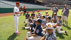 VIDEO: Little League Cancer Survivor Gets to Meet Baseball Idol Mike Trout