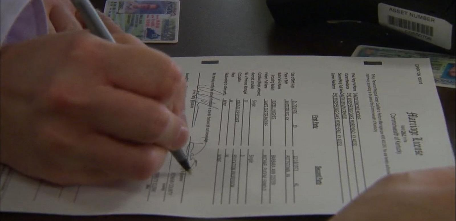 VIDEO: Kentucky County Clerk's Office Issues Marriage Licenses to Same-Sex Couples
