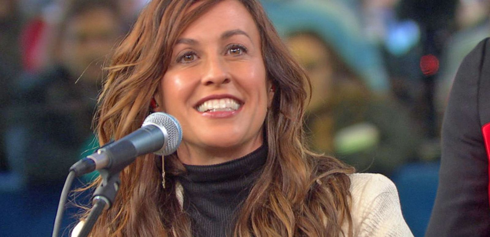 VIDEO: Alanis Morissette on 20th Anniversary Edition of Jagged Little Pill