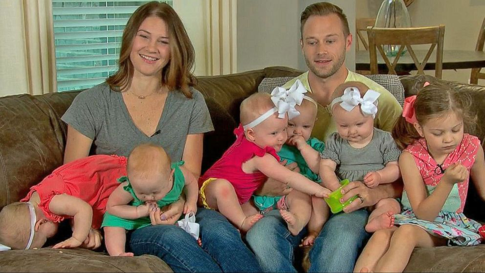 Bustle At The Busbys Stars Of 39 Outdaughtered 39 Live On