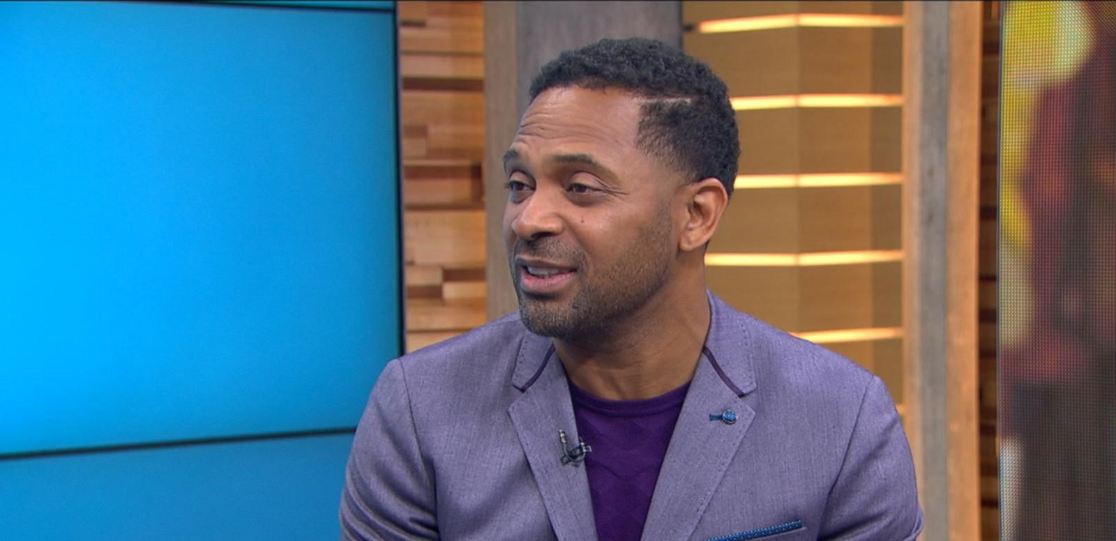 mike epps humbly intimidated filling john candys shoes