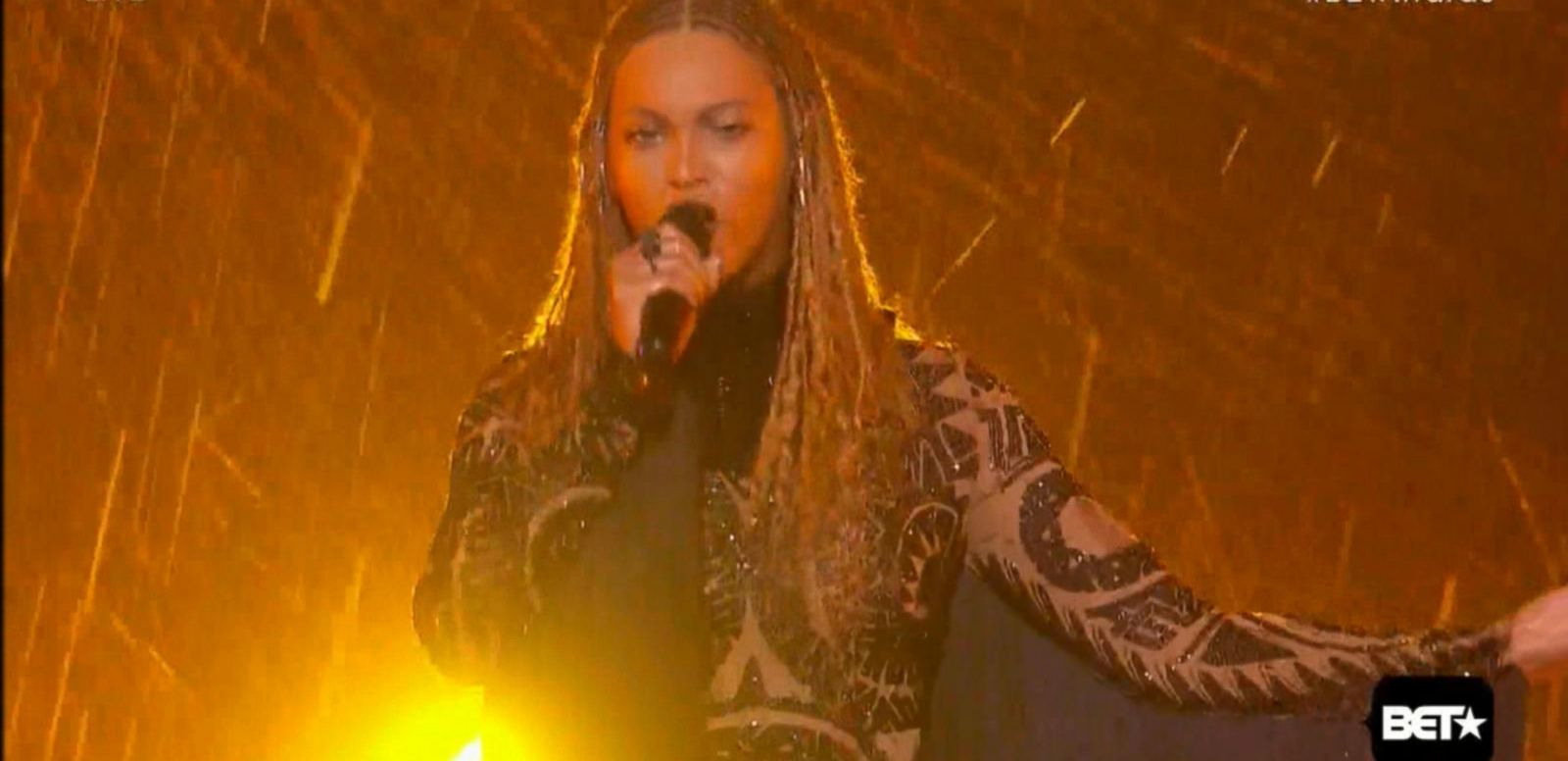 VIDEO: Beyoncé Surprises as Opener of 2016 BET Awards
