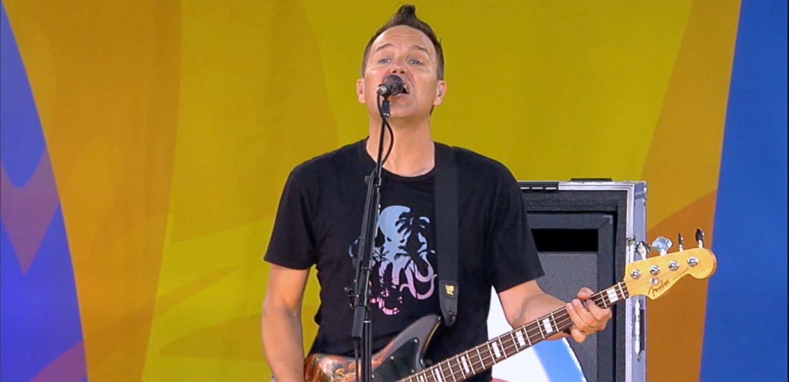 VIDEO: 'GMA' Summer Concert Series: Blink-182 Sings 'Bored to Death'