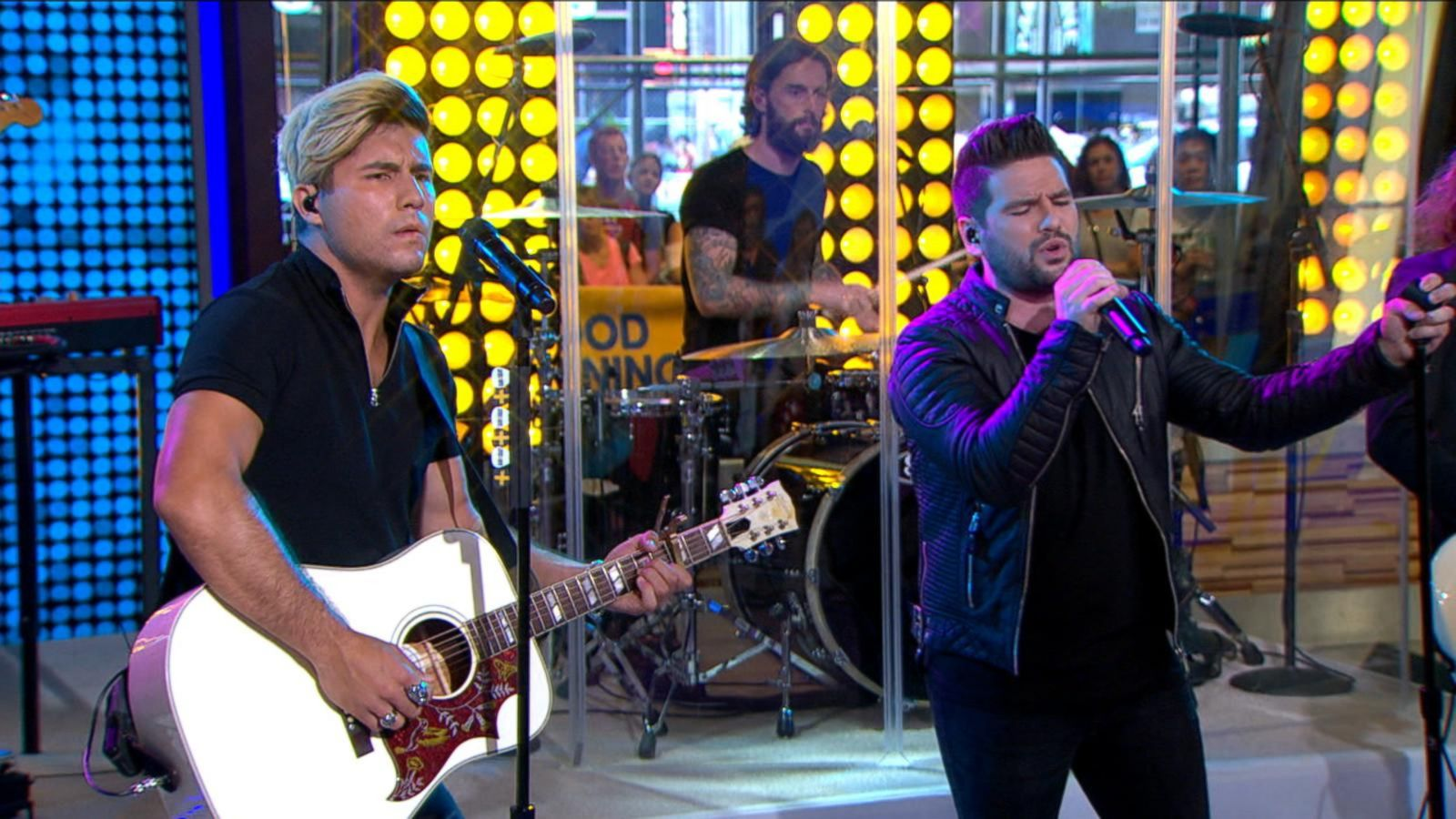 VIDEO: Dan + Shay Perform 'How Not To'