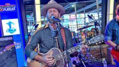 VIDEO: GMA Country Playlist: Drake White Sings Livin the Dream