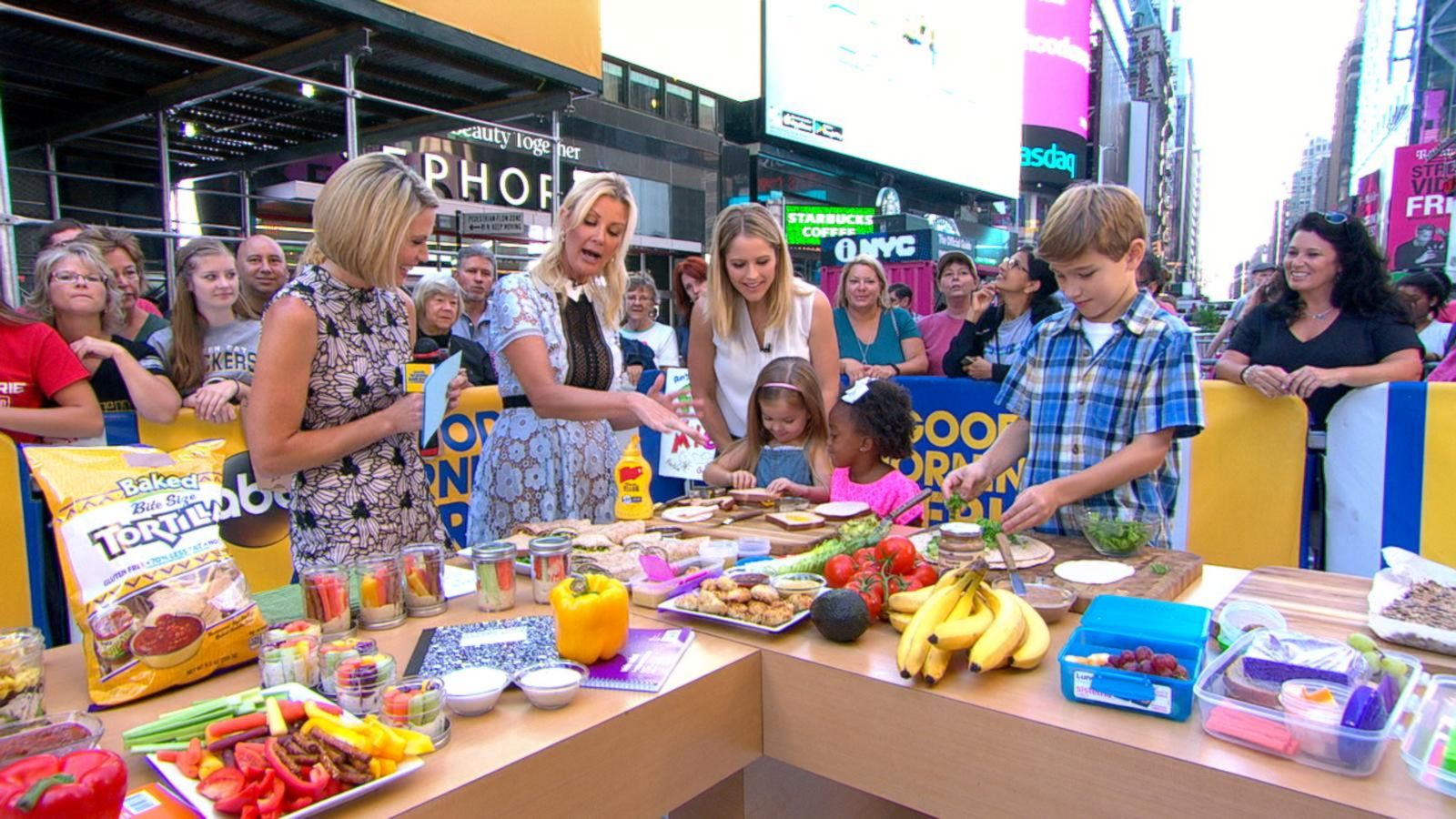 VIDEO: Back to School: Sandra Lee's Healthy Lunches