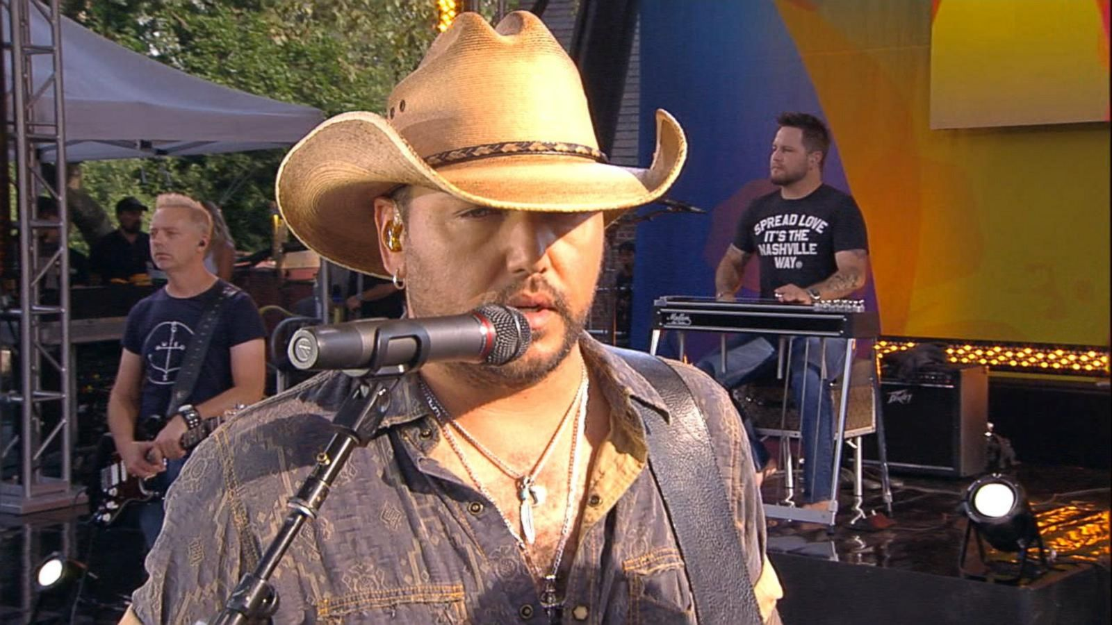 VIDEO: Jason Aldean Talks Hit Tour, Breast Cancer Awareness Project