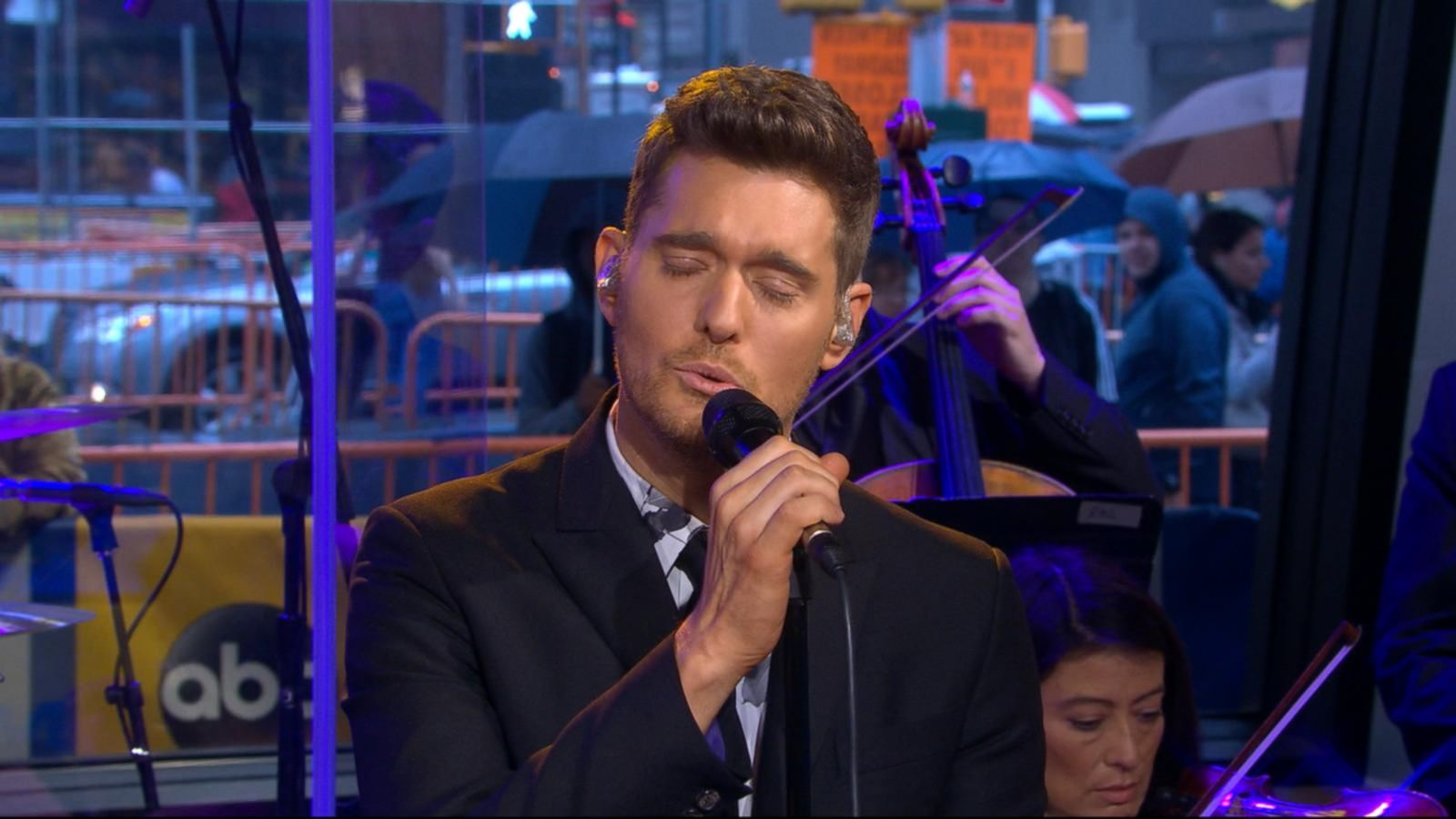 VIDEO: Michael Buble Sings 'God Only Knows'