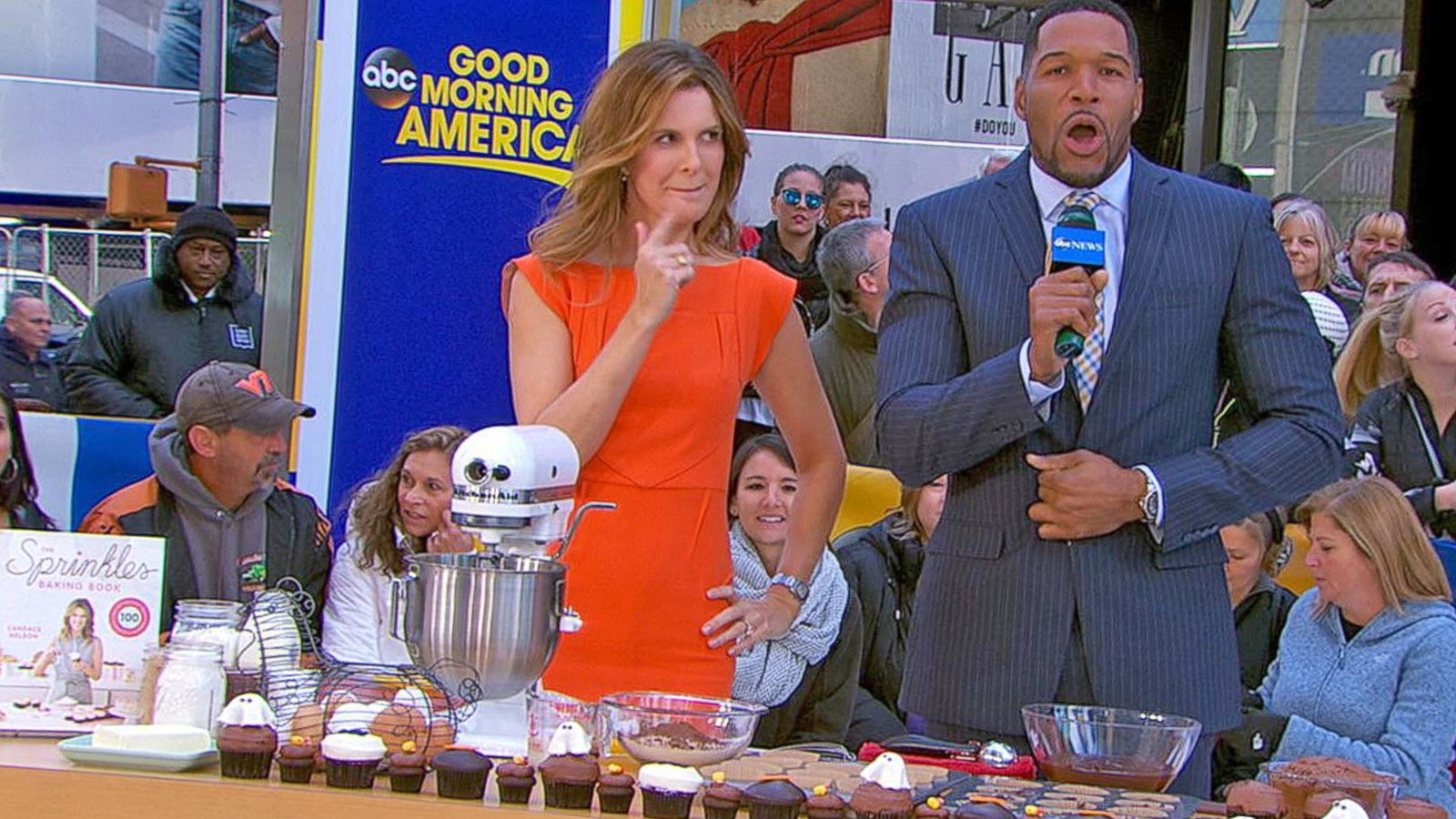 VIDEO: Candace Nelson Talks 'The Sprinkles Baking Book' on 'GMA'