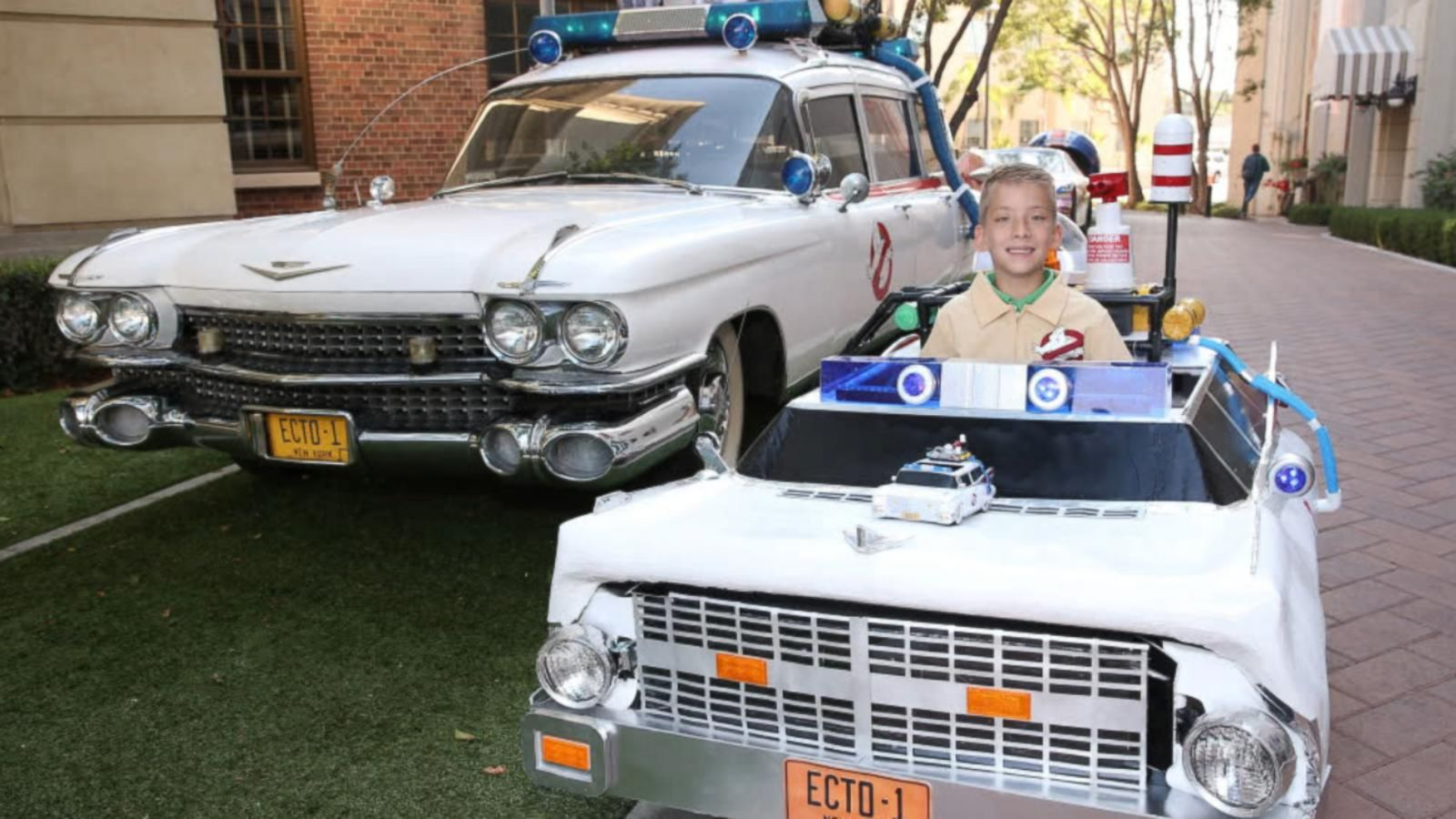 Boy With Ecto-1 Car Costume Visits 'Ghostbusters'