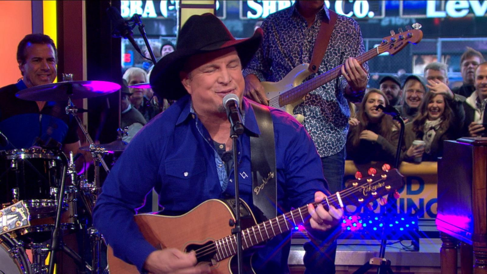 VIDEO: Garth Brooks Sings 'Baby, Let's Lay Down and Dance'