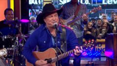 VIDEO: Garth Brooks Sings Baby, Lets Lay Down and Dance