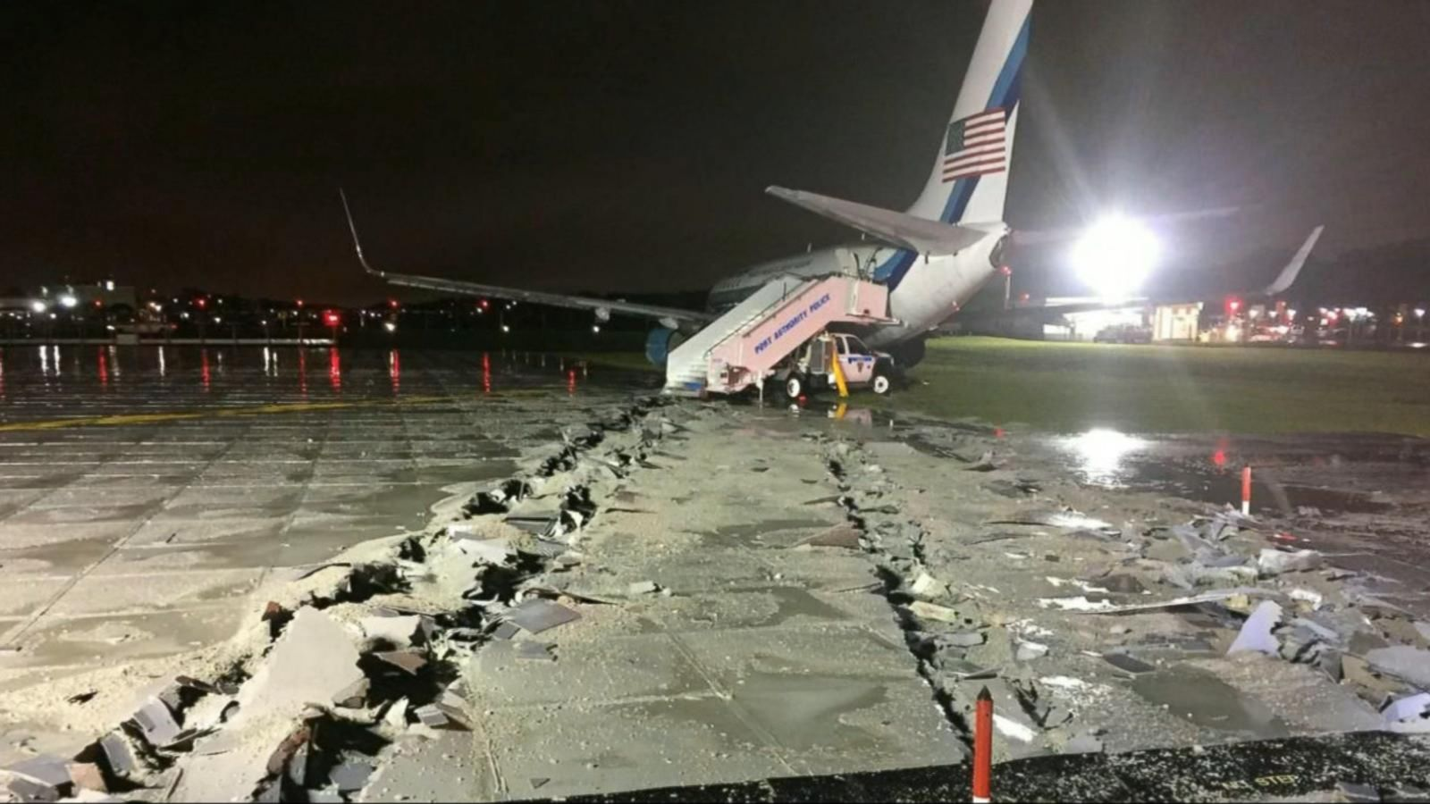 VIDEO: Mike Pence's Plane Skids Off Runway at LaGuardia Airport