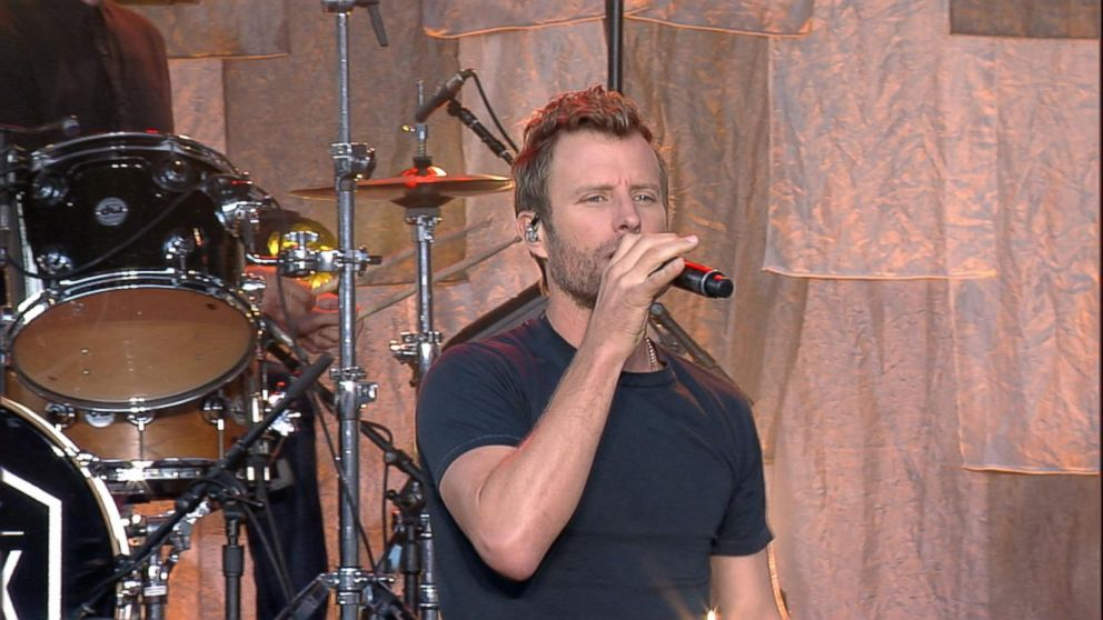 "dierks single girls Dierks bentley has released his second single from his upcoming black album ""different for girls"" is a duet with elle king that chronicles the fundamental differences between the genders."