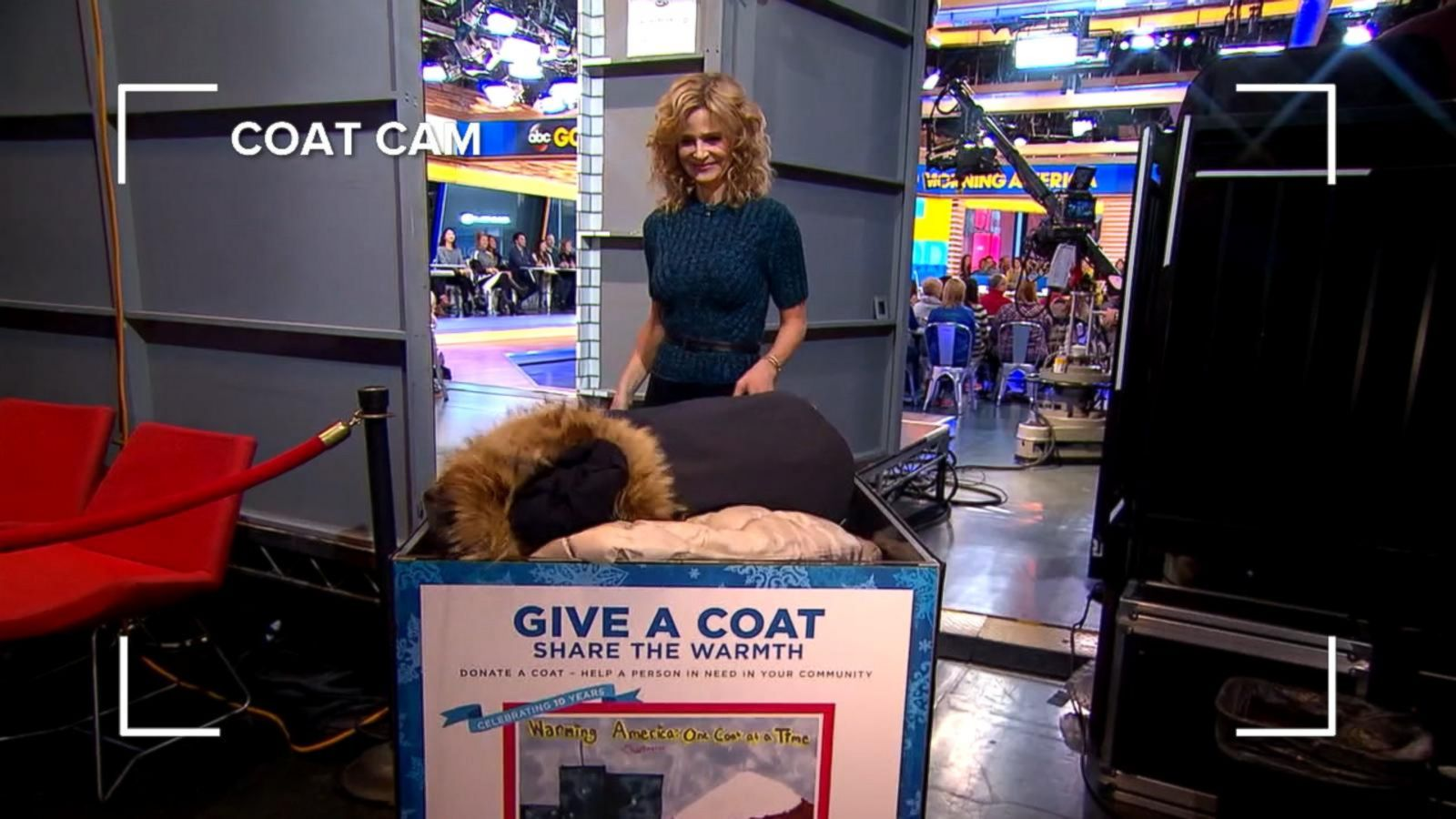 VIDEO: Kacey Musgraves, Kyra Sedgwick Donate Coats