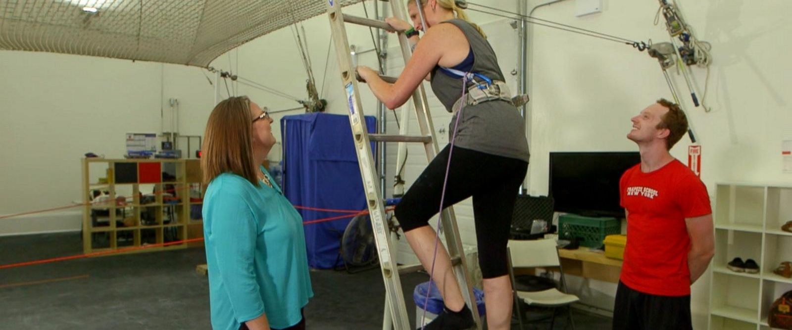 VIDEO: Woman attempts to conquer her lifelong fear of heights live on GMA