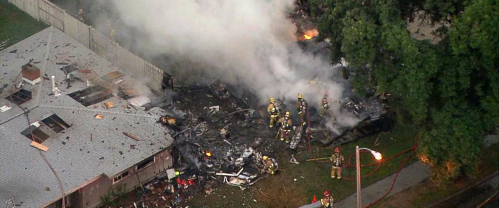 VIDEO: At least 3 killed after small plane slams into homes