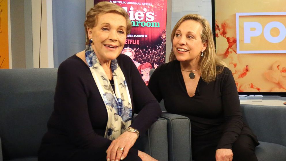 julie andrews and daughter emma walton hamilton sing