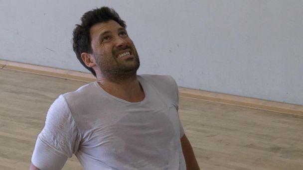 VIDEO:  Maks Chmerkovskiy injured during 'DWTS' rehearsal