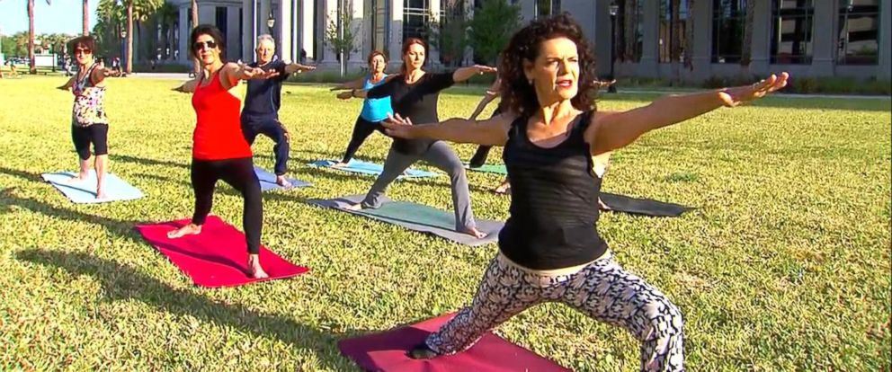 VIDEO: Florida judge teaches yoga at her courthouse