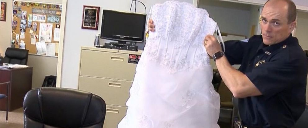 VIDEO: Mysterious wedding dress found on Bridle Road, police searching for owner