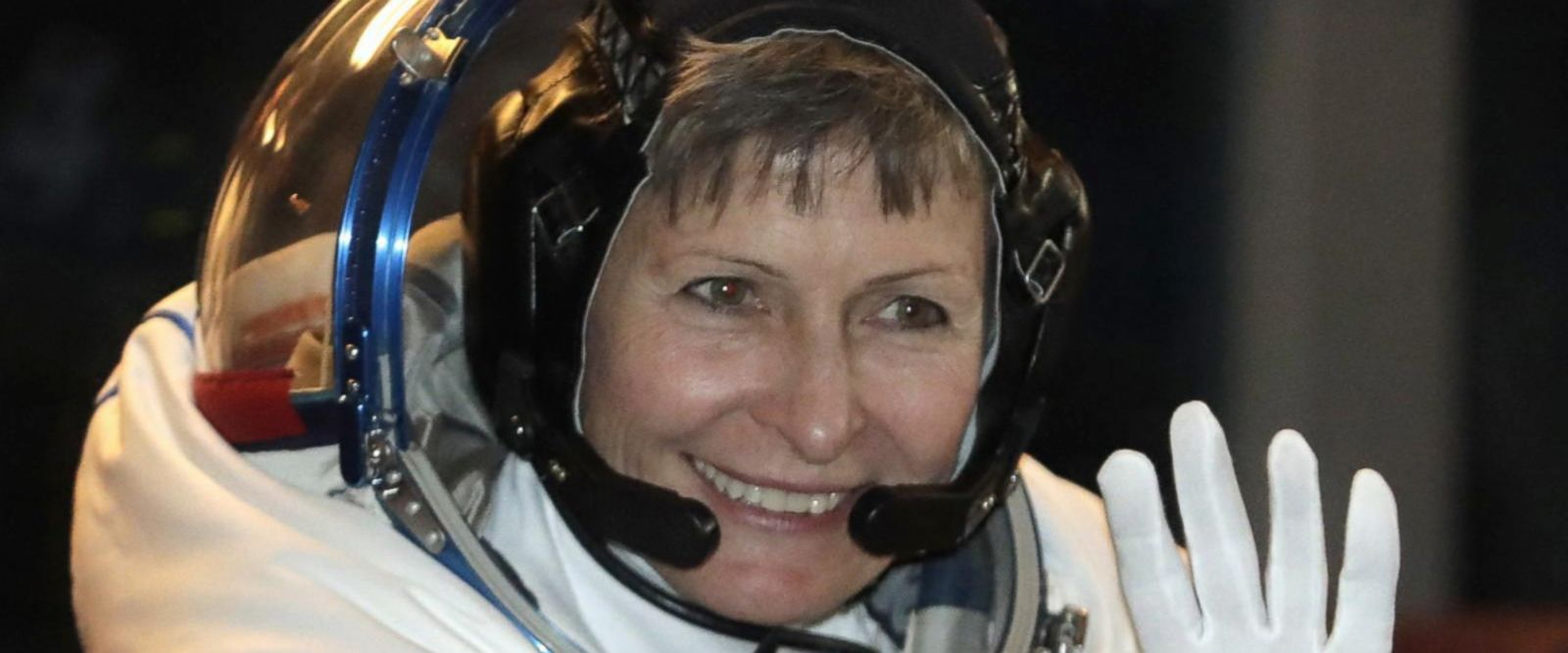 VIDEO: US astronaut blasts into the history books
