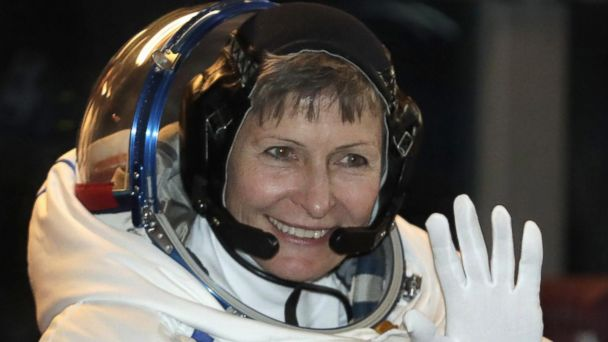 VIDEO: US astronaut blasts into the history books