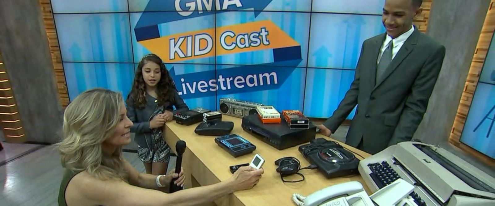 VIDEO: Kids confused by old school technology