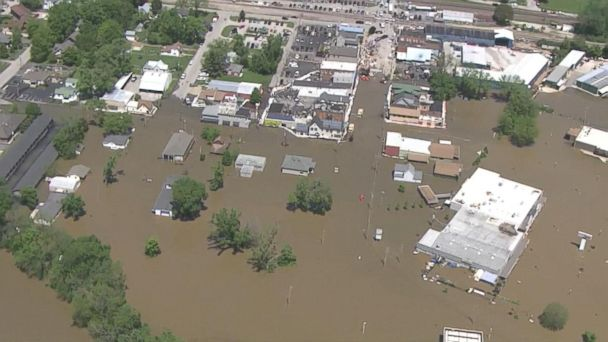 VIDEO: Deadly floods slam the Midwest