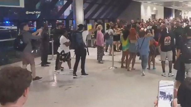 VIDEO: Fights erupt after Spirit Airlines cancellations and delays