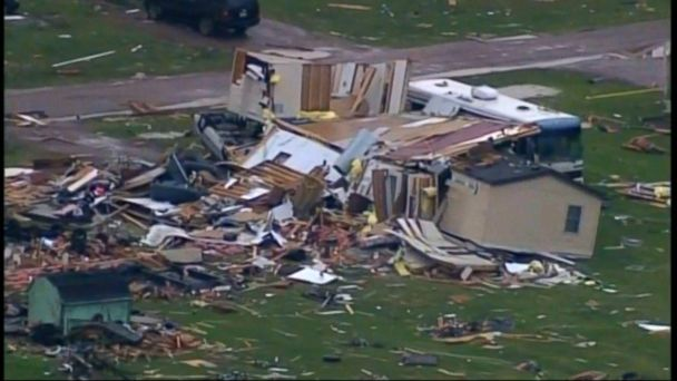 VIDEO: Severe weather and tornadoes hit central US