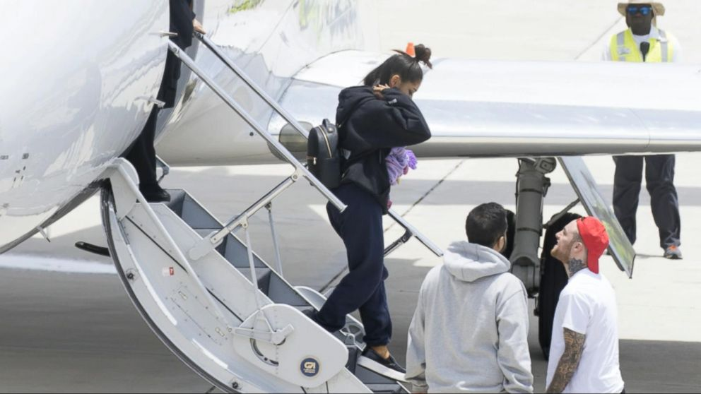 VIDEO: Ariana Grande returns to US after deadly concert blast