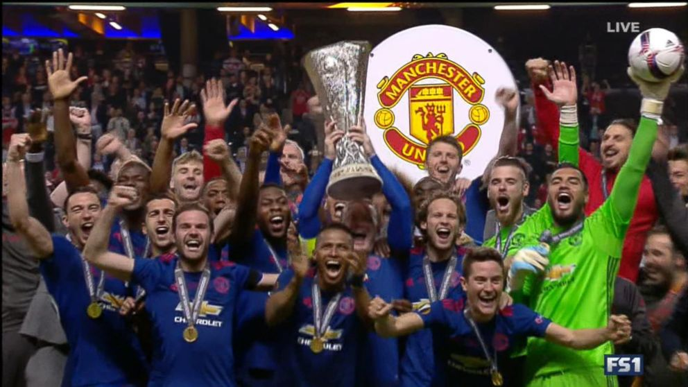 VIDEO: Manchester United scores victory amid city's grief