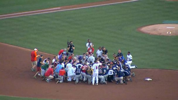 VIDEO: Republicans and Democrats honor Rep. Steve Scalise at annual baseball game