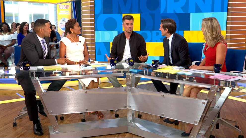 VIDEO: Josh Duhamel discusses the best pick up lines for women to use
